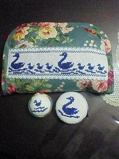 シンプル刺繍でソーイングケース